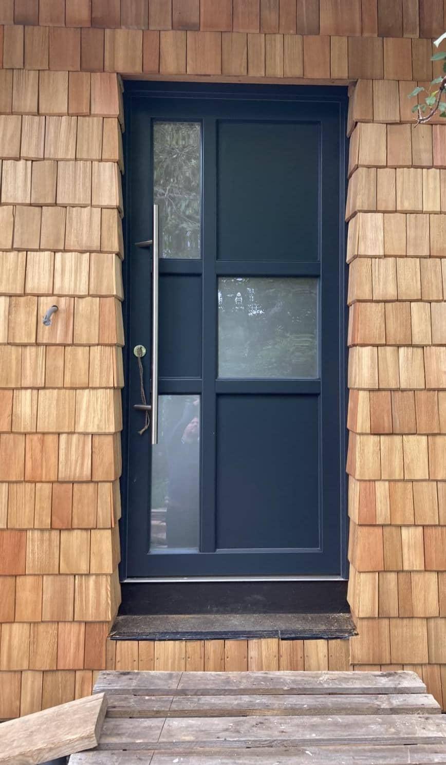 Thoma Holz100 Holz mit Lärchernfassade Türe